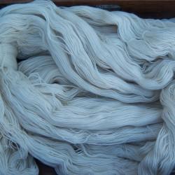 Naturelwol , handgeverfde wol