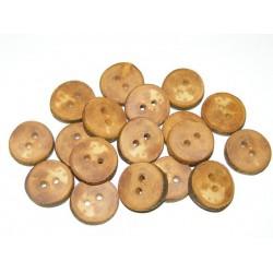 Handgemaakte knopen van appelhout  2,2 cm x 04, cm. Gezaagd, geschuurd, in de was en olie gezet. Unieke knopen
