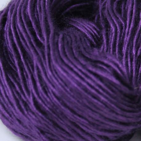 Brei een exclusief vest of trui. Aubergine moerbeizijde (50%) / Merinowol (50%)
