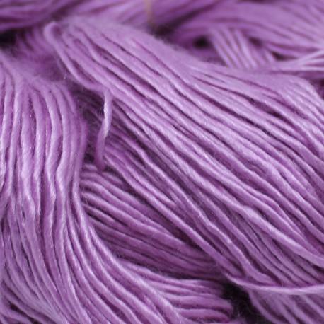 Brei een exclusief vest of trui.Roze moerbeizijde (50%) / Merinowol (50%)