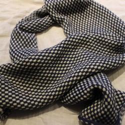 Sjaal 45 x 230. Fair Isle motief gebreide sjaal handgeverfde 100% scheerwol.