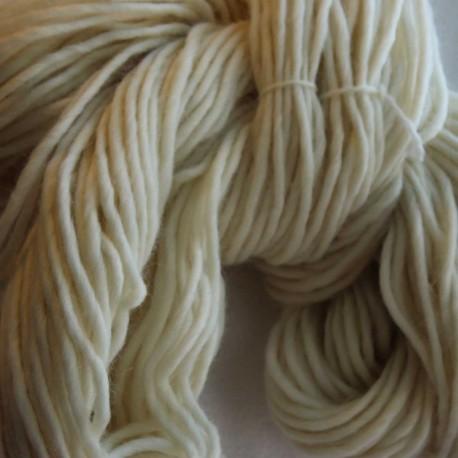 Breiwol, indigo handgeverfd, zuivere scheerwol. 100 Mtr. / 100 Gram