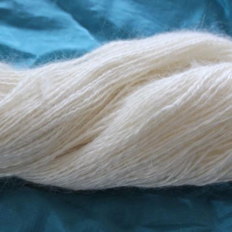 Kid-Mohair (70%) met zijde(30%) , 300 mtr / 100 gram